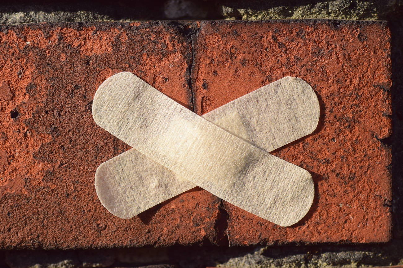 Opere murarie e crepe sulle pareti: serve l'intervento dei professionisti