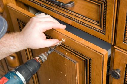 Riparazione antine mobili, veloce e di qualità