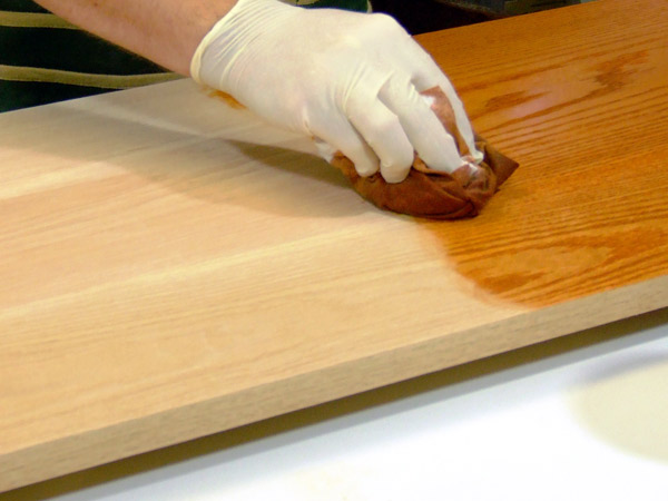 Manutenzione di persiane in legno